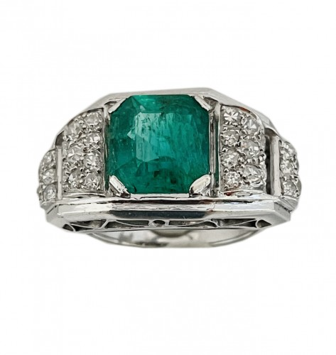 platinum ring : center emerald circa 1930