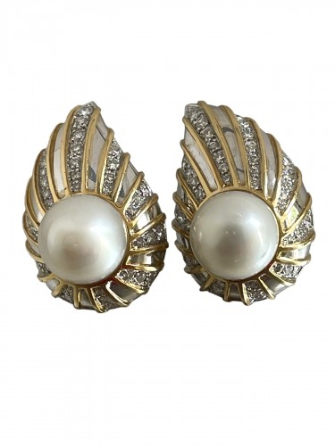 gold and diamonds south sea earrings by REPOSSI