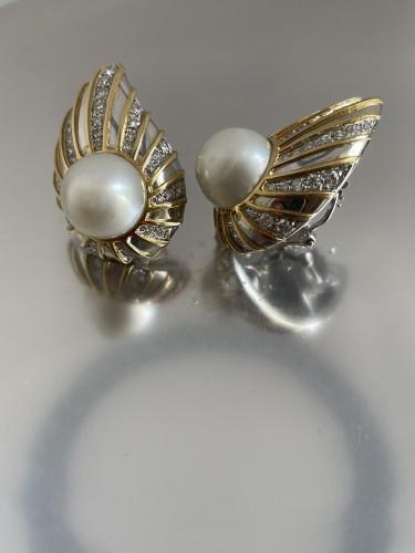 gold and diamonds south sea earrings by REPOSSI  - Antique Jewellery Style