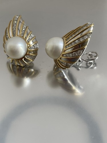 Antique Jewellery  - gold and diamonds south sea earrings by REPOSSI