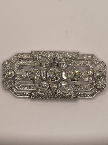 Platinum and diamonds brooch : Art Deco