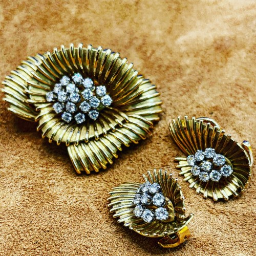 Set gold and diamonds brooch and earrings : circa 1950 - Antique Jewellery Style 50