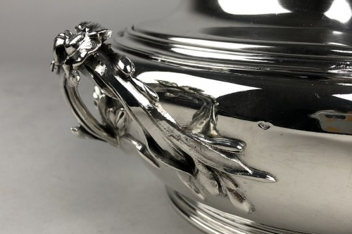 Ravinet d'Enfert in Paris - Vegetable dish in sterling silver, art deco period -