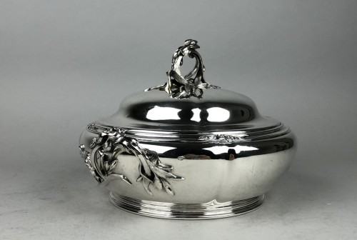 20th century - Ravinet d'Enfert in Paris - Vegetable dish in sterling silver, art deco period