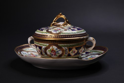 Porcelain & Faience  - Broth bassin and its stand, Sèvres 1786