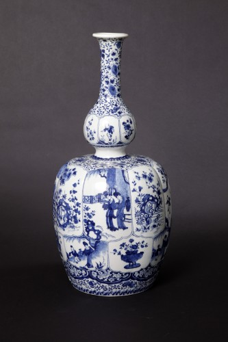 Porcelain & Faience  - Great bottel vase, Delft, 1700-1720