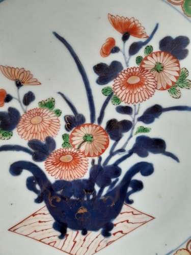 Porcelain & Faience  - Imari, Japan, late 17th century or begin of the 18th century.
