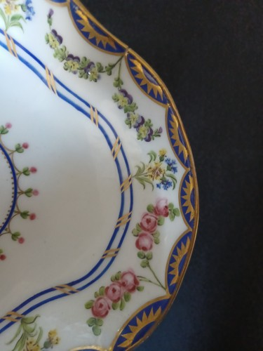 Porcelain & Faience  - Three shell dishes, Sèvres 1790-1795