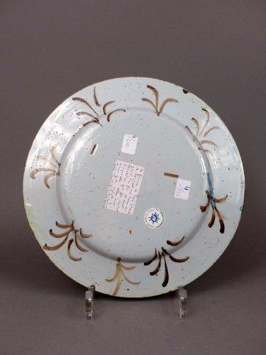 Porcelain & Faience  - 18th century Pavia faience platter