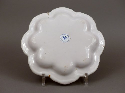Porcelain & Faience  - Moustiers, 18th century  - Pair of drageoirs