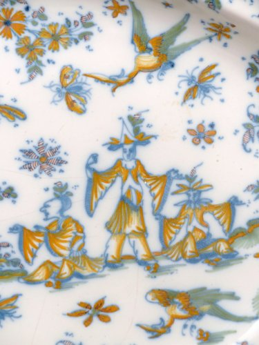 Porcelain & Faience  - 18th century oval faience platter from Lyon