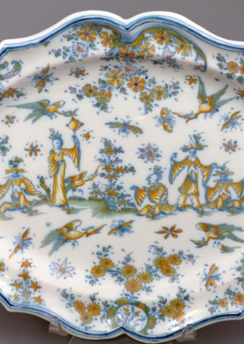 18th century - 18th century oval faience platter from Lyon