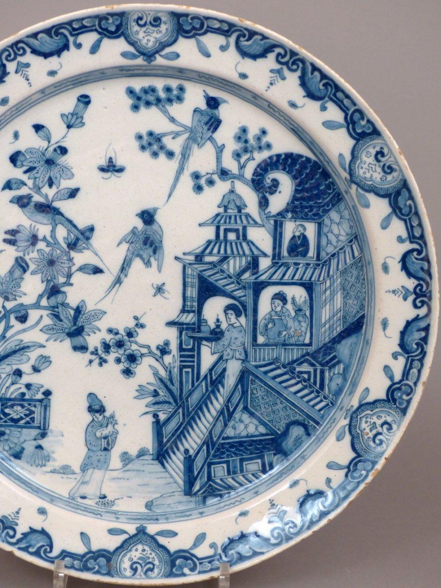 18th century delf platter. Black Bedroom Furniture Sets. Home Design Ideas