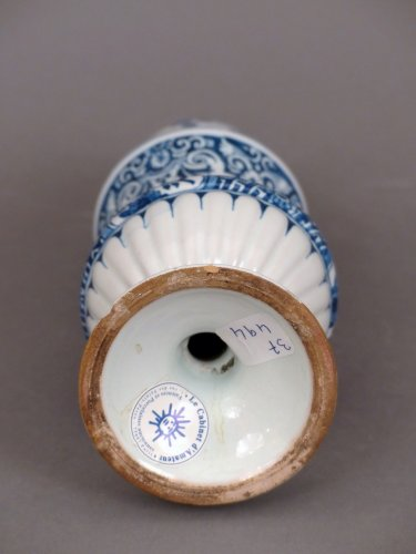 Porcelain & Faience  - Faïence of Marseille, shaker