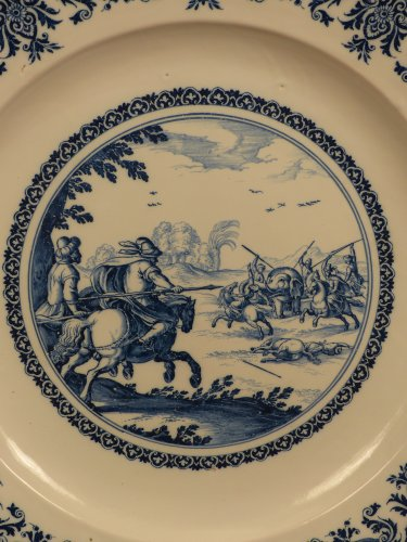 Porcelain & Faience  - 17th century Moustiers platter with hunting scene decor