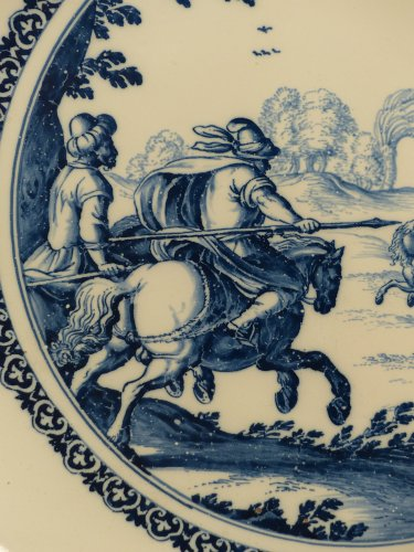 17th century Moustiers platter with hunting scene decor -