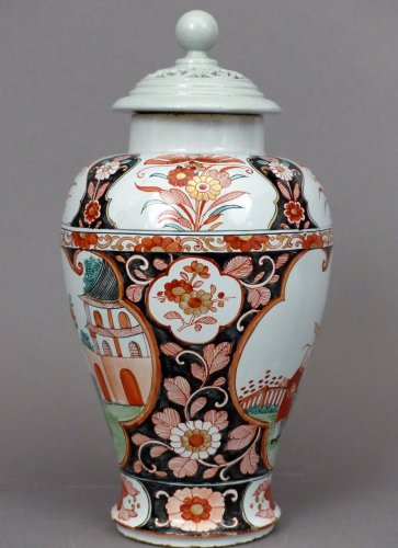18th century Delftware covered vase - Porcelain & Faience Style