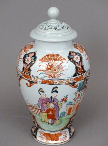 18th century Delftware covered vase -