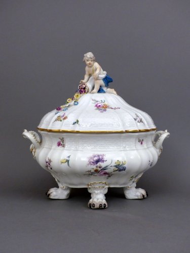 18th century Meïssen lidded terrine - Porcelain & Faience Style