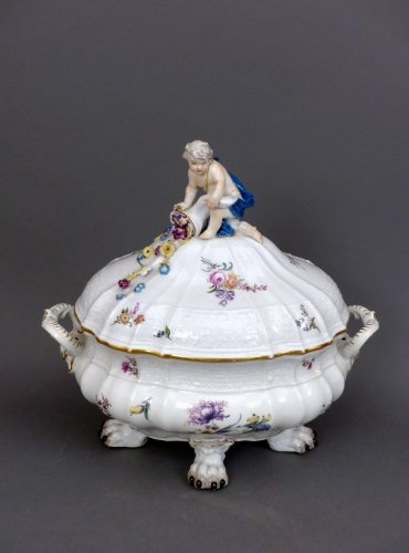 Porcelain & Faience  - 18th century Meïssen lidded terrine