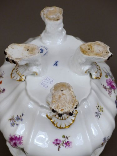 - 18th century Meïssen lidded terrine