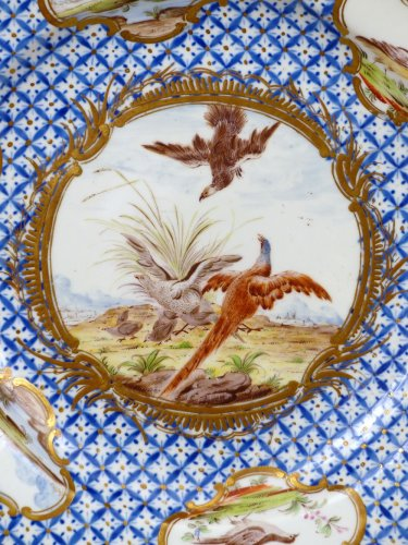 18th century Chantilly Soft-paste Plate - Porcelain & Faience Style
