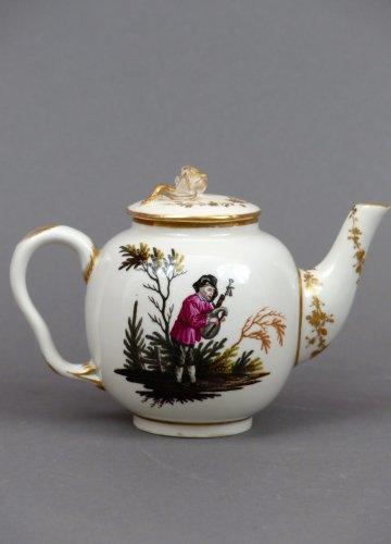 Porcelain & Faience  - 18th century Ansback teapot