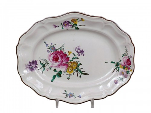 18th c. platter in faïence of Strasbourg signed J. H. for Joseph Hannong