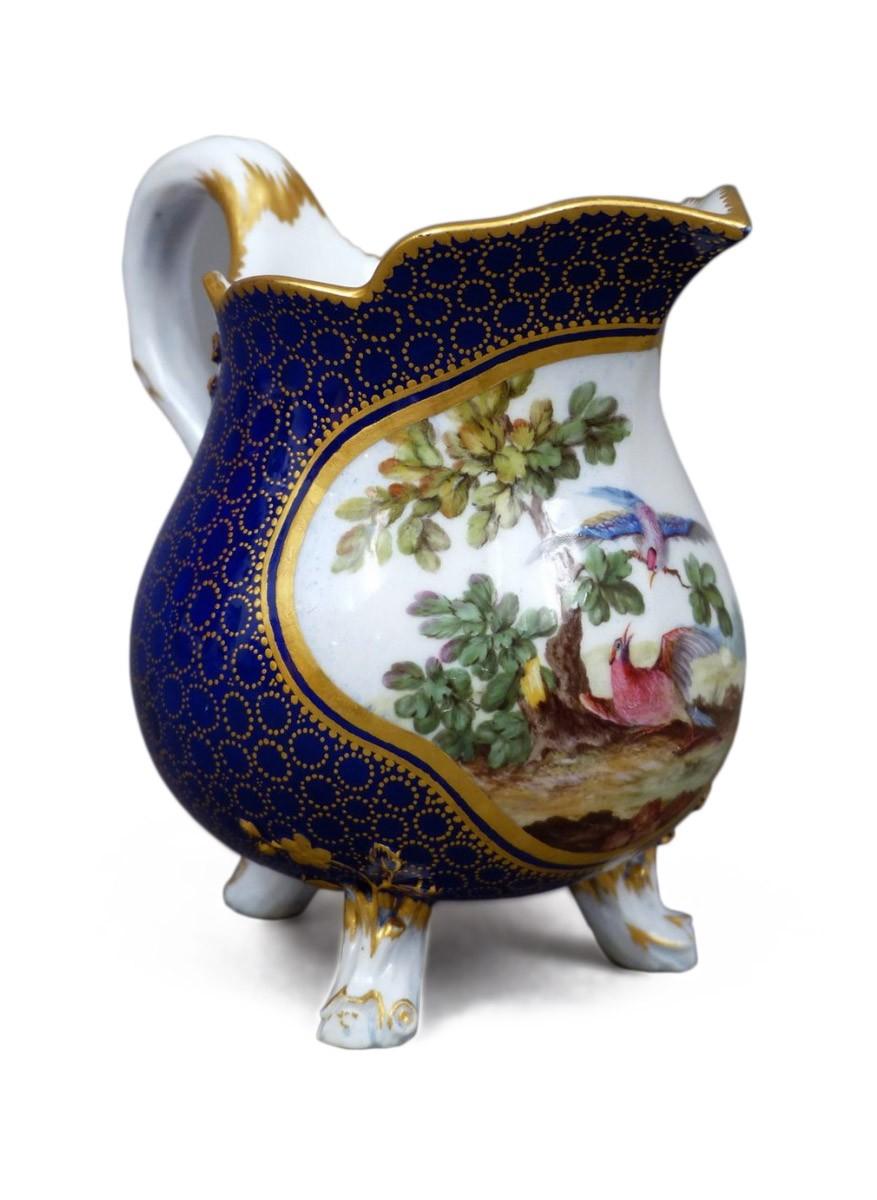 pot lait en porcelaine tendre de s vres vers 1770 xviiie si cle. Black Bedroom Furniture Sets. Home Design Ideas
