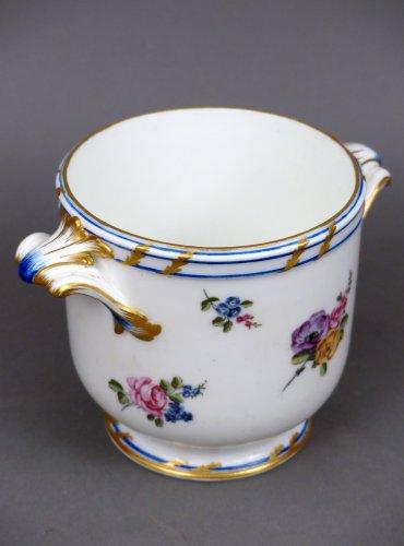 Porcelain & Faience  - 18th century glasses cooler in Vincennes