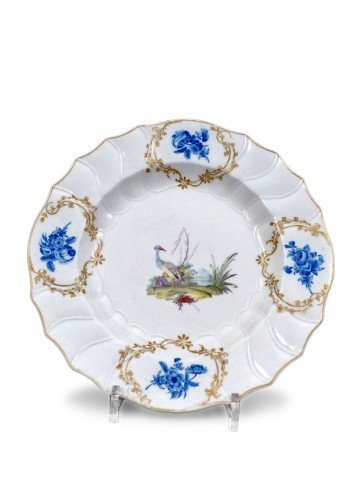 18th century platter in soft-paste porcelain of La Haie