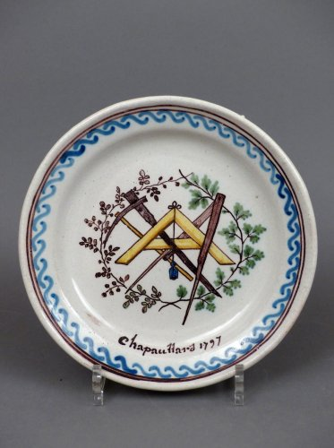 18th century Patronymic faience plate of Roanne