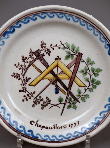 18th century Patronymic faience plate of Roanne -