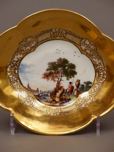 Porcelain & Faience  - Pair of Meissen cups and saucers circa 1727 - 1728