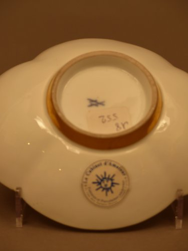 Pair of Meissen cups and saucers circa 1727 - 1728 -