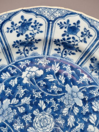 Chinese Kangxi blue and white porcelain platter, 17th century -