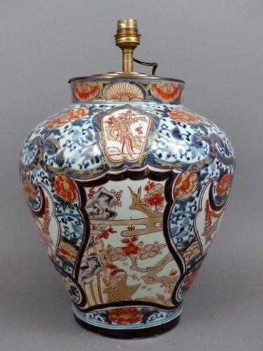 Early XVIIIth century Chinese porcelain vase mounted as a lamp
