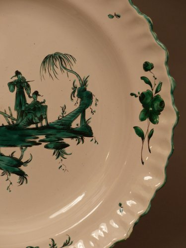 French Moustiers platter - Ferrat Factory circa 1780 - Louis XVI