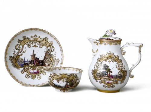 Meïssen cup and coffee pot,  J.G. Hörold (1730/1740) period