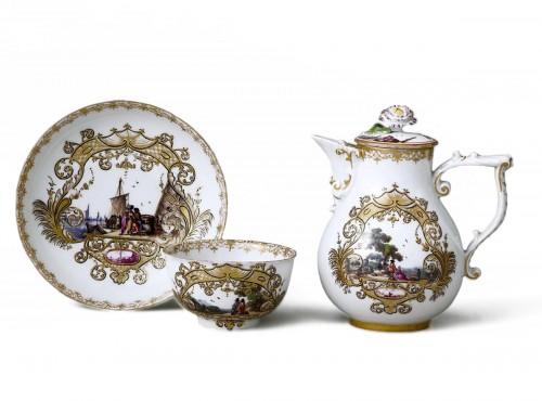 Meïssen cup and coffee pot,  J.G. Hörold (1730/1740) period