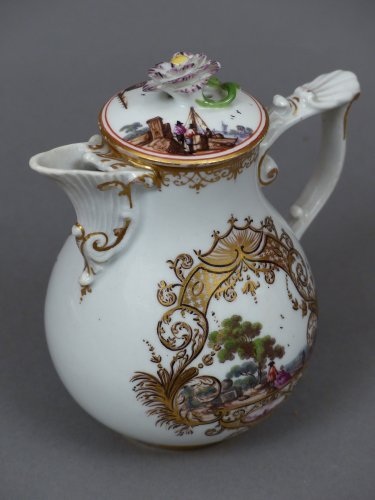 Antiquités - Meïssen cup and coffee pot,  J.G. Hörold (1730/1740) period
