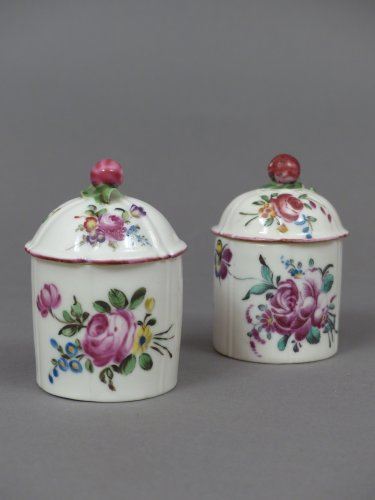 Pair of jars,  Mennecy porcelain circa 1760