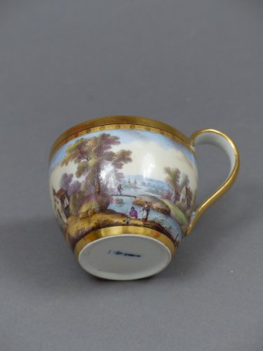 Berlin porcelain cup and saucer, late 18th century - Louis XVI