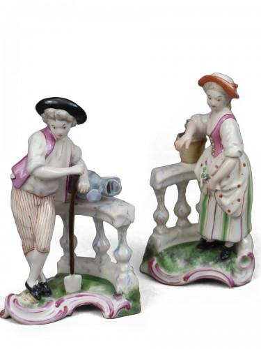 Le jardinier et la jardinière à la balustrade, faïence de Niderviller XVIIIe siècle