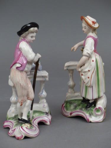 Le jardinier et la jardinière à la balustrade, faïence de Niderviller XVIIIe siècle -