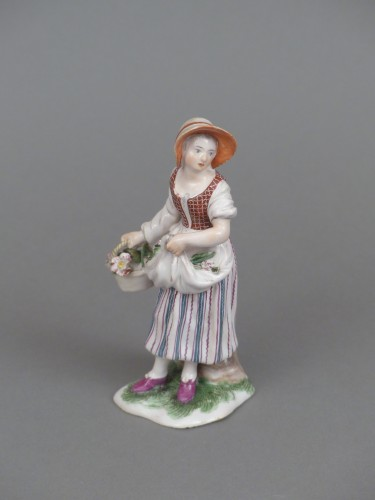 Figure of a flower seller, Niderviller 18th century  - Porcelain & Faience Style Louis XV