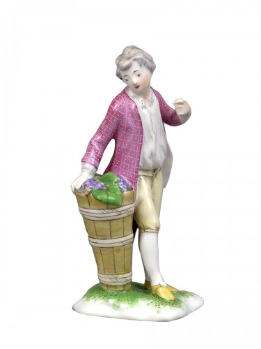 Figure of a young winemaker, Niderviller 18th century