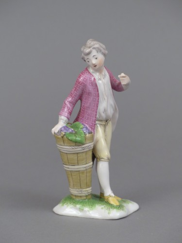 Porcelain & Faience  - Figure of a young winemaker, Niderviller 18th century