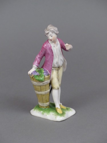 Figure of a young winemaker, Niderviller 18th century  -