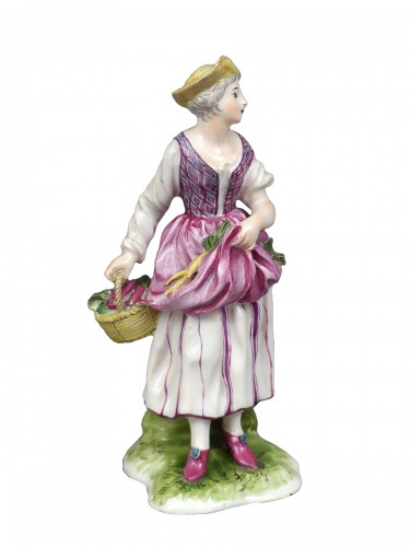 Figure of a young peasant girl, Niderviller 18th century